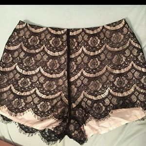 Lush mid rise lace shorts